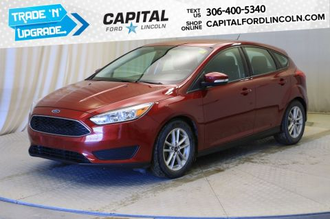 Pre-Owned 2016 Ford Focus SE HB